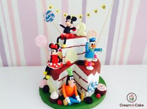 tarta cumple fondan decorada muñecos disney