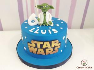 Tarta decorada Guerra Galaxias niño