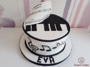 tarta-decorada-piano-musico-aniversario-cumple