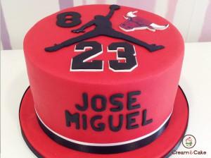 tarta cumpleaños decorada basket michael jordan
